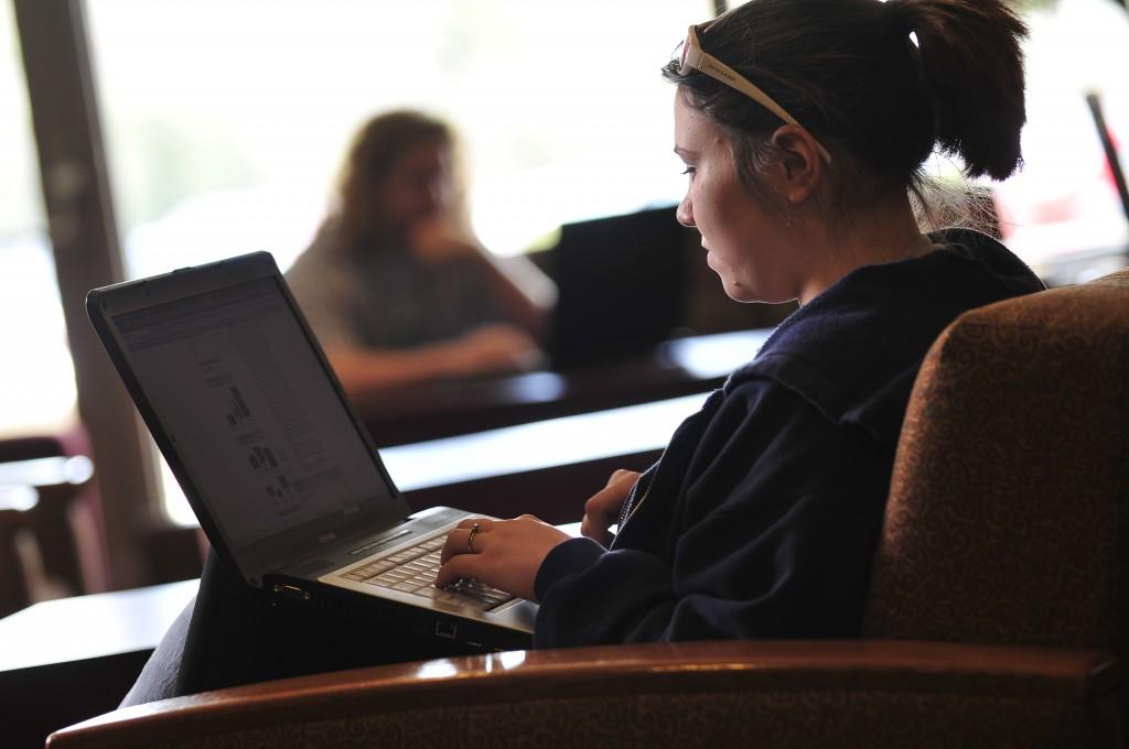Constituent Relationship Management in Online Student Recruitment